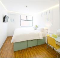 Ensuite - Room - Queen Bed