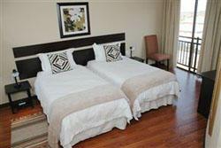 Luxury Room Triple