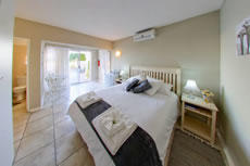 Luxury Unit with Queen-Size Bed - Unit 6