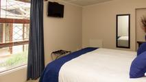 Room 04 (Cottage)