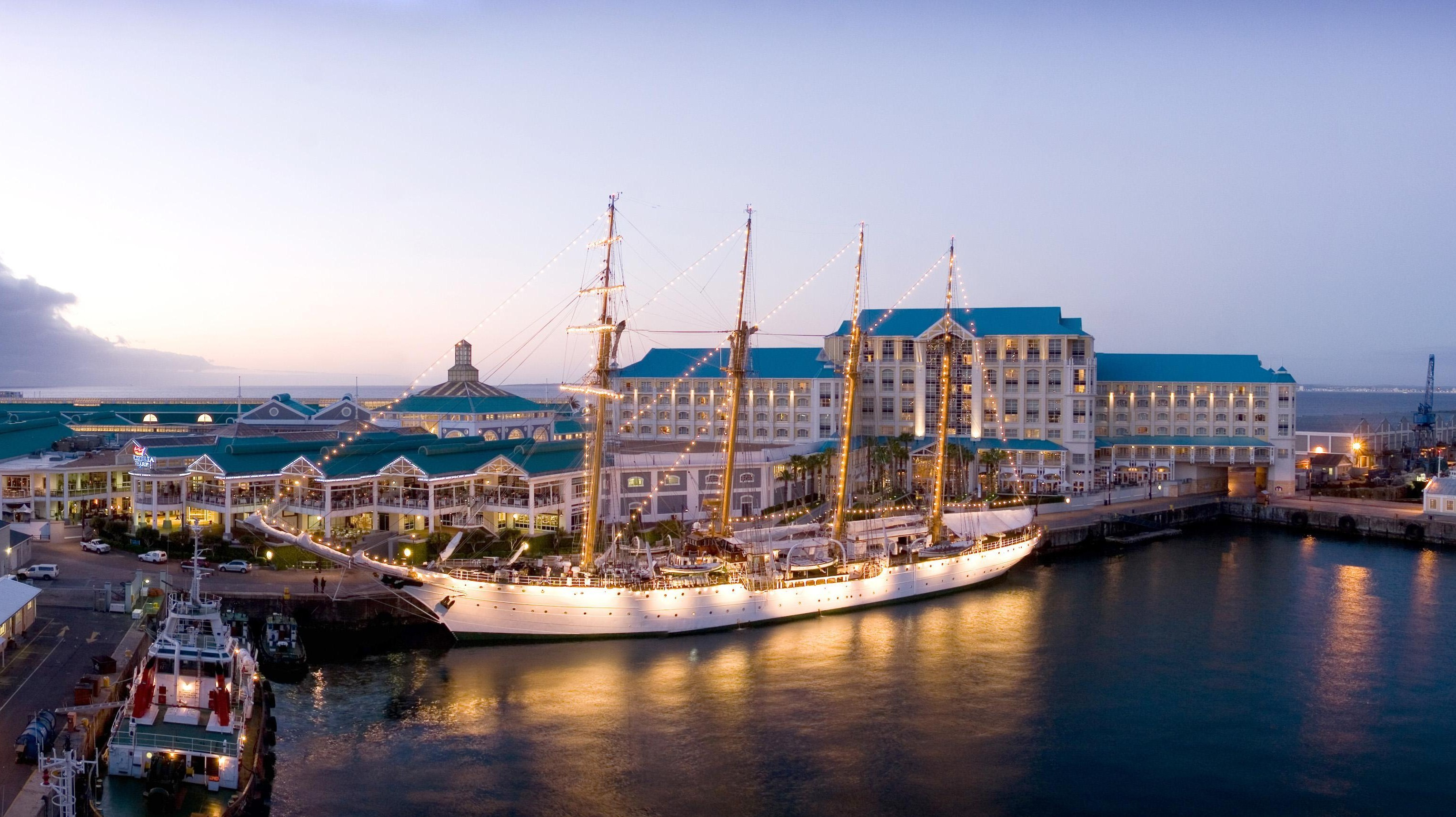Albert Bay Hotel