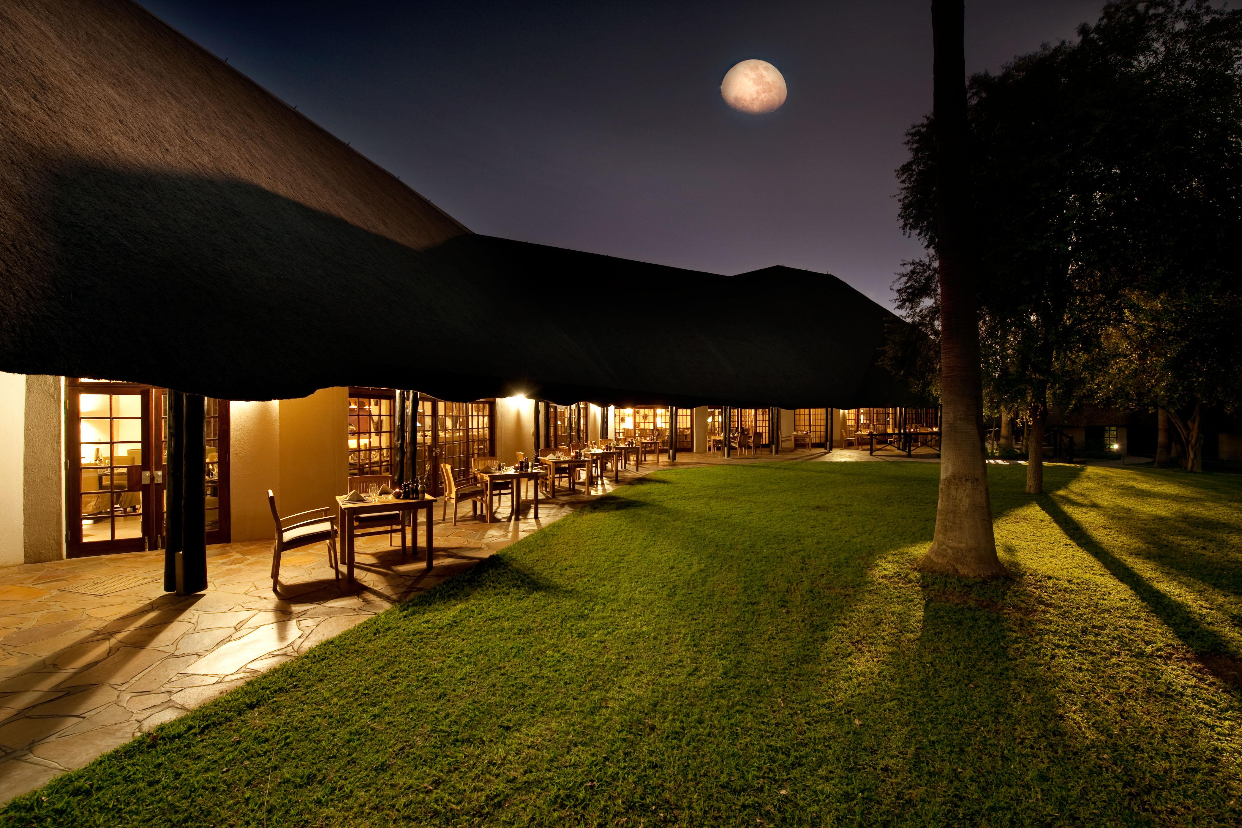 Mokuti Etosha Lodge : MokutiEtoshaLodge DiningRoomOutdoor 1 from rack.puresafari.com size 4182 x 2788 jpeg 2024kB