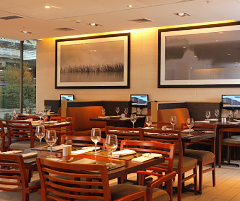Hotel Holiday Inn Santiago Airport