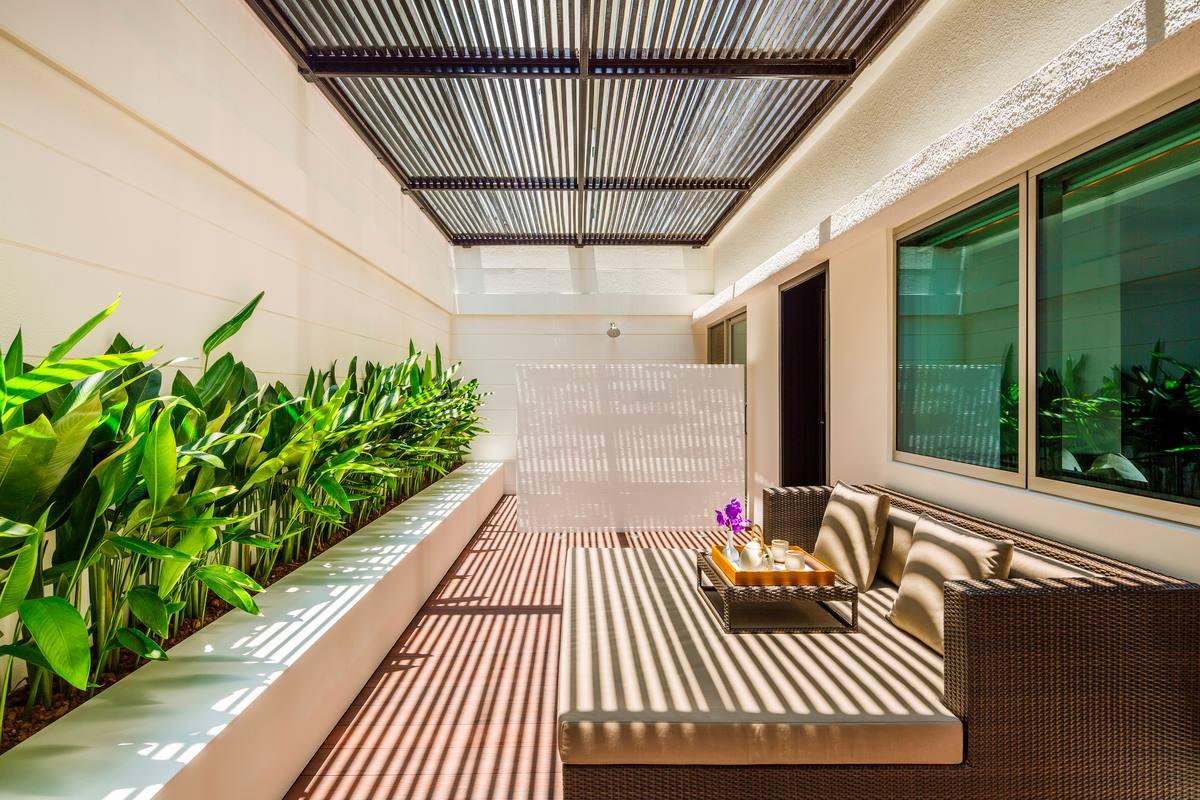 Metropolitan Hotel Bangkok Restaurant
