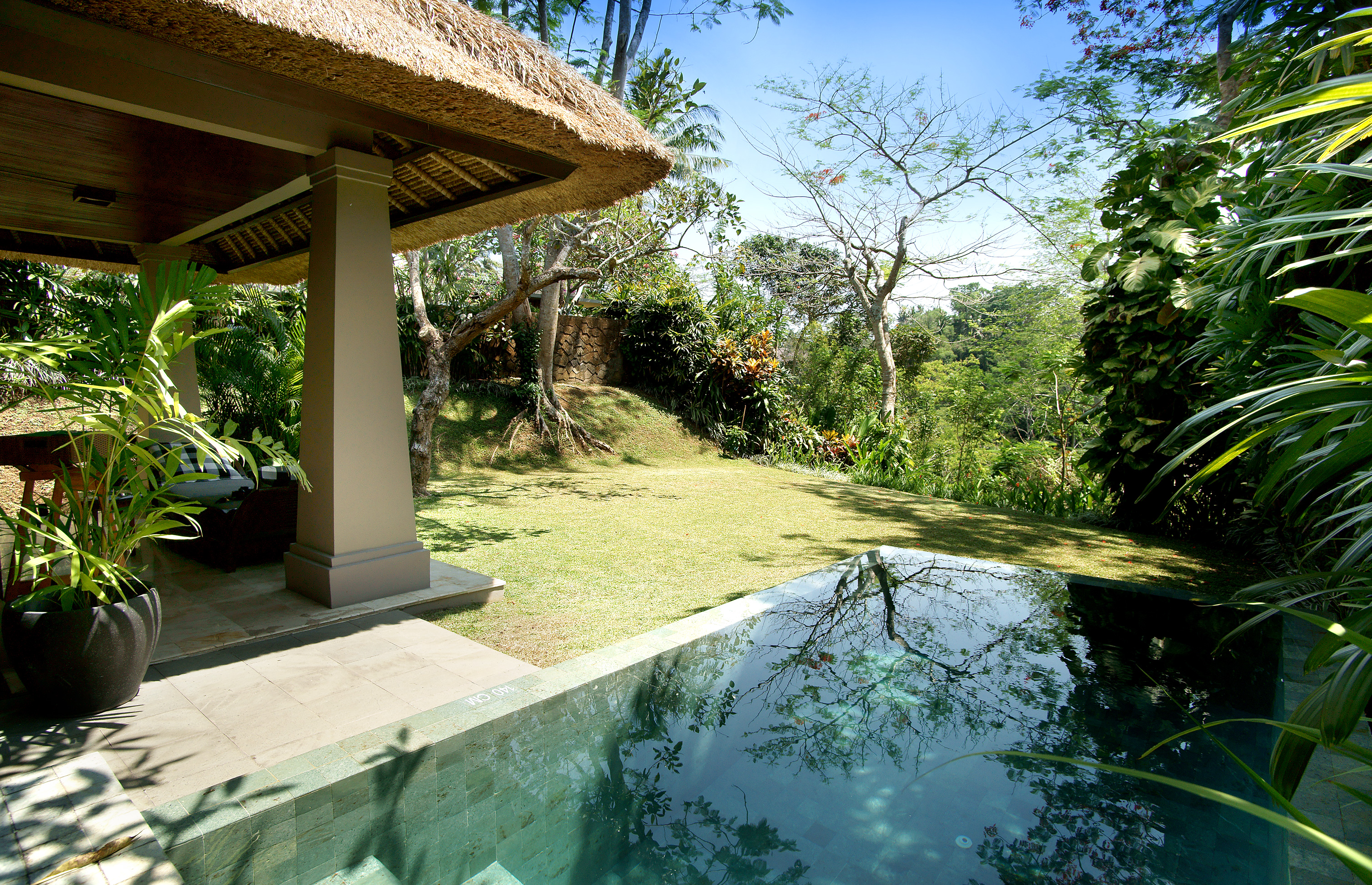 Maya ubud resort spa for Garden pool villa ubud
