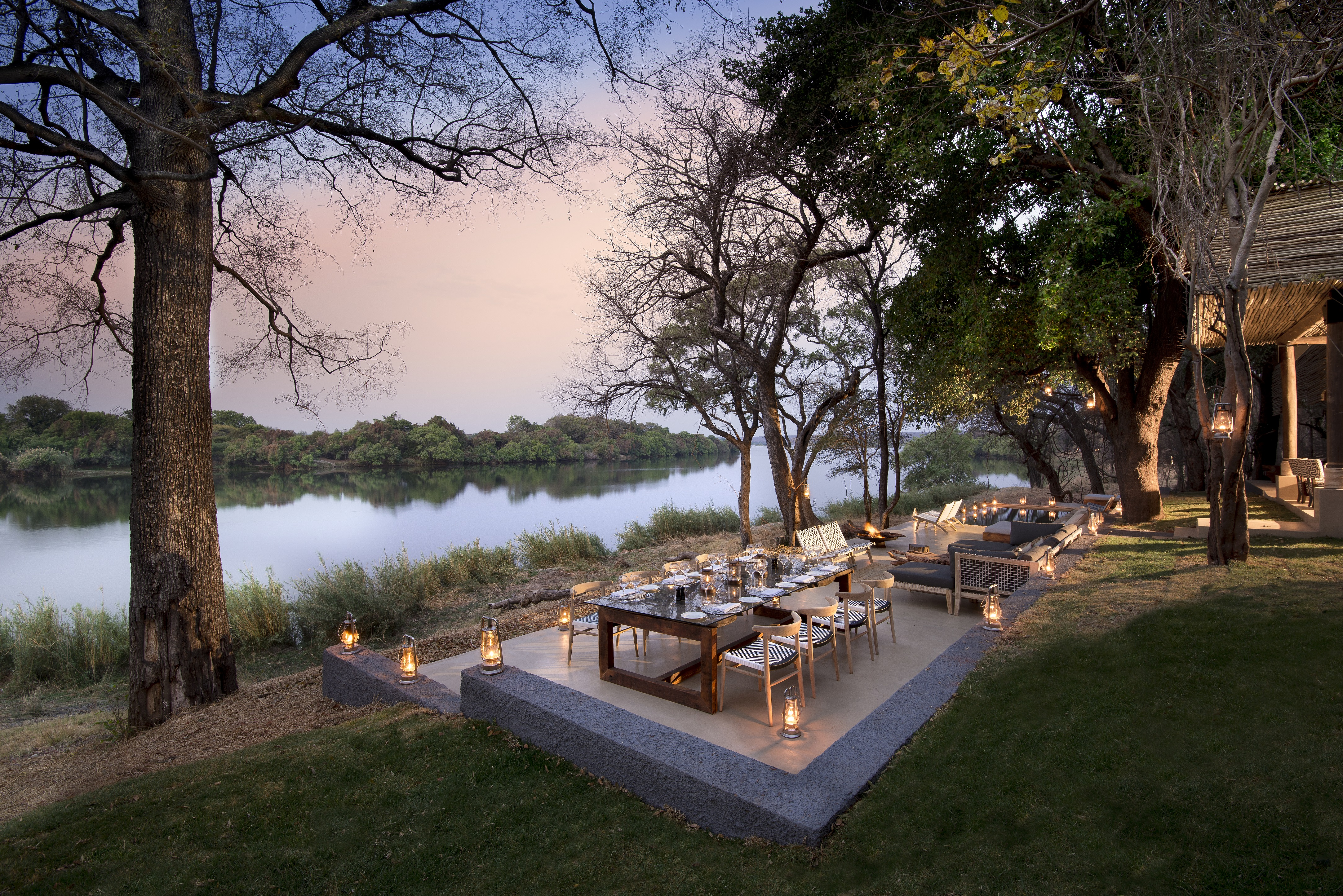 Matetsi River House Outdoor Dining 2