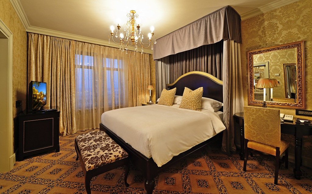 The Palazzo Montecasino Rooms