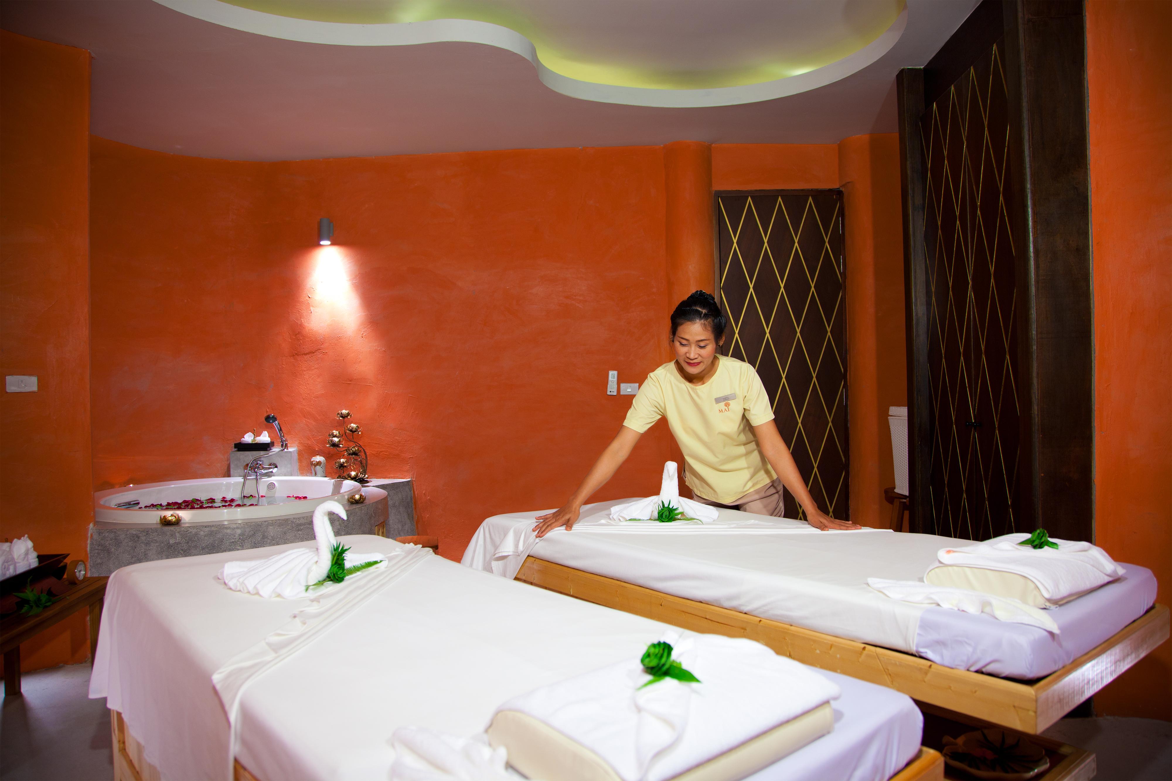 mai khao lak beach resort spa. Black Bedroom Furniture Sets. Home Design Ideas
